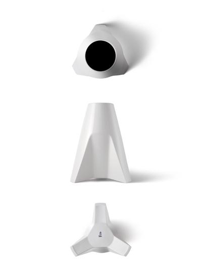 A Porcelain Vase 01