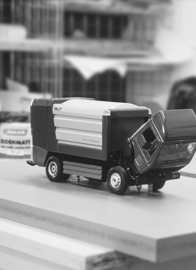 Waste-Collection-Vehicle-01